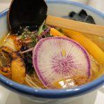 肉・魚・卵を一切使わない!新宿の『AFURI 』で鎌倉野菜たっぷりなヘルシーラーメンを食べてきた。